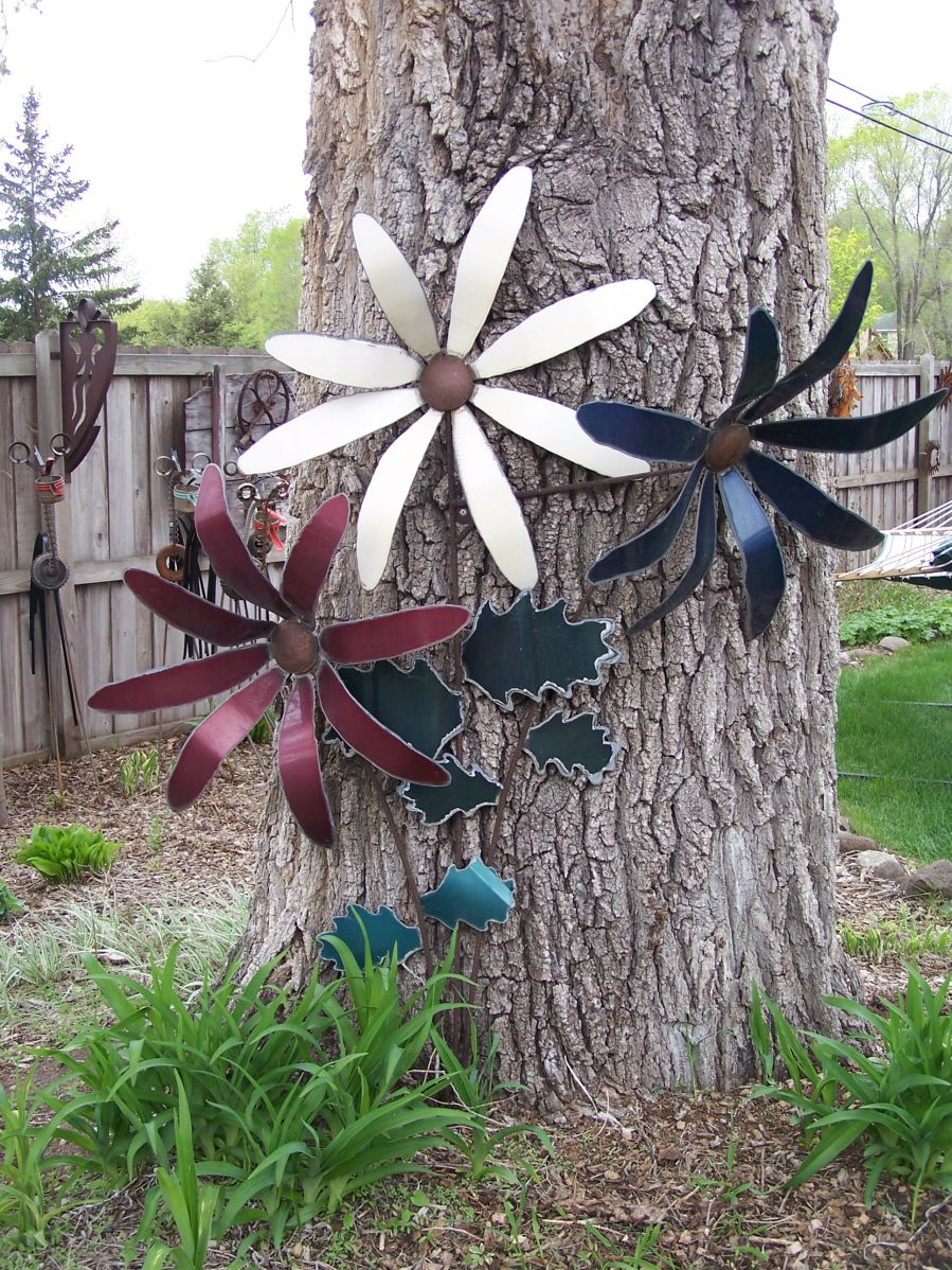 Poppy flower stake garden art poppy strong metal yard art flower - Explore Heavy Metal Art Scrap Metal Art And More