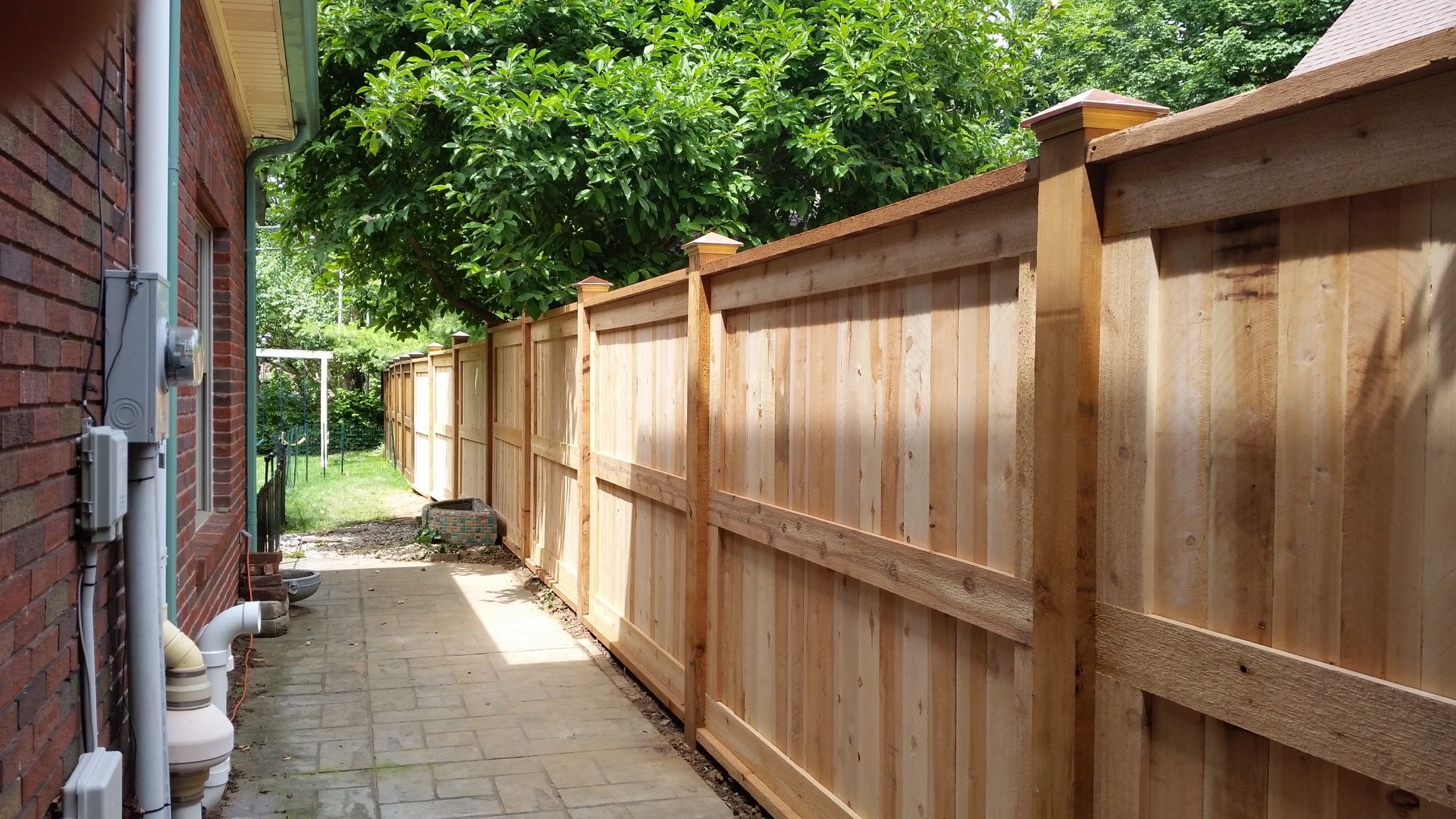 #Cedar Dual Window Picture Frame Fence With Caps #Privacyfence #Fencecaps