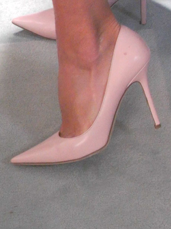Kelly Ripa\'s Pink Jimmy Choo Heels. Kelly and Michael Fashion Finder ...