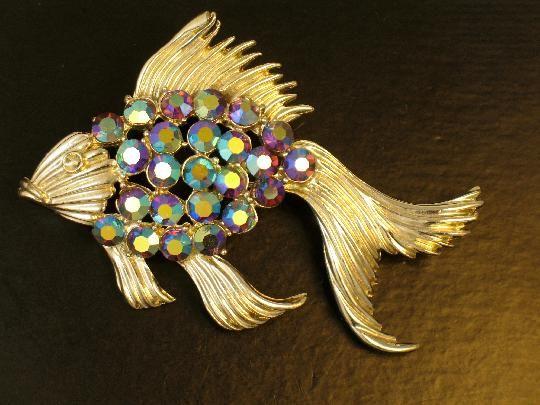 Signed BSK Purple AB Rhinestone Fish Brooch #vintagebrooch #figuralbrooch #rhinestonebrooch #fish #purple $32.00