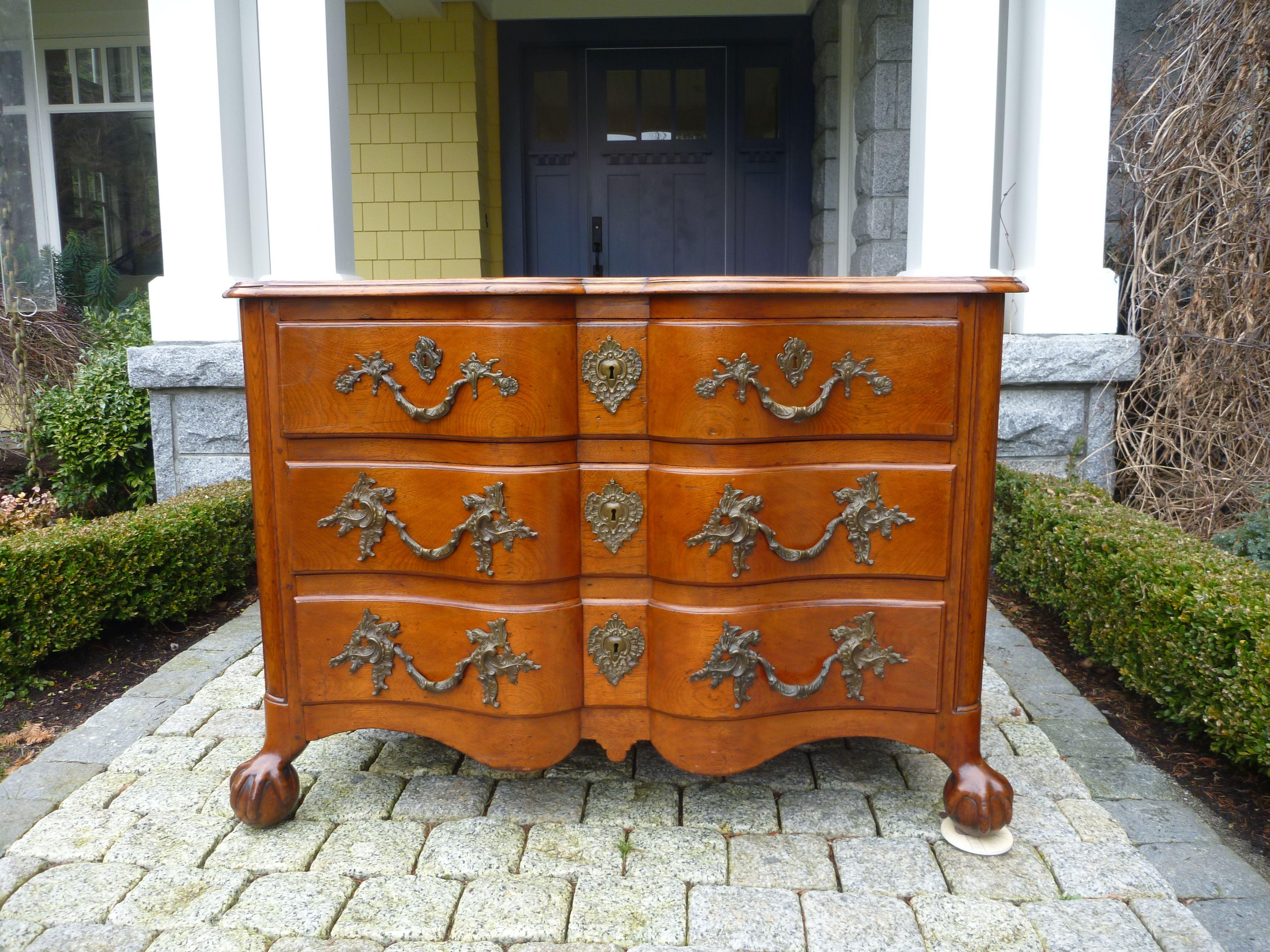 Montreal Butternut Arbalete Commode 18th Century Furniture Antique Furniture Art Decor