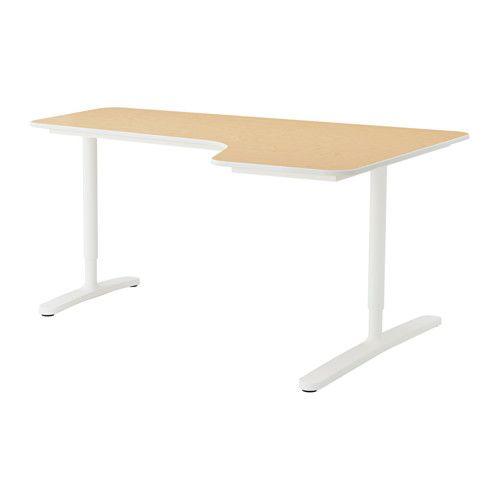IKEA - BEKANT, Hoekbureau rechts, berkenfineer/wit, , Gratis 10 jaar garantie. Raadpleeg onze folder voor de garantievoorwaarden.Je kan het tafelblad monteren op een hoogte die bij je past omdat de poten in hoogte verstelbaar zijn van 65-85 cm.Een gefineerd oppervlak is slijtvast, vlekbestendig en makkelijk schoon te houden.Met het snoerennet onder het tafelblad kan je je bureau makkelijk netjes en opgeruimd houden.Afgerond bureaublad; ontlast de onderarmen en polsen bij het ...