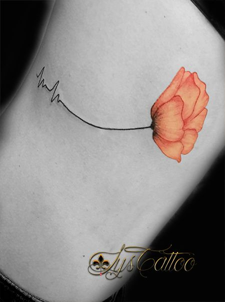 tatouage sur les c tes femme cot fille girl tattoo. Black Bedroom Furniture Sets. Home Design Ideas