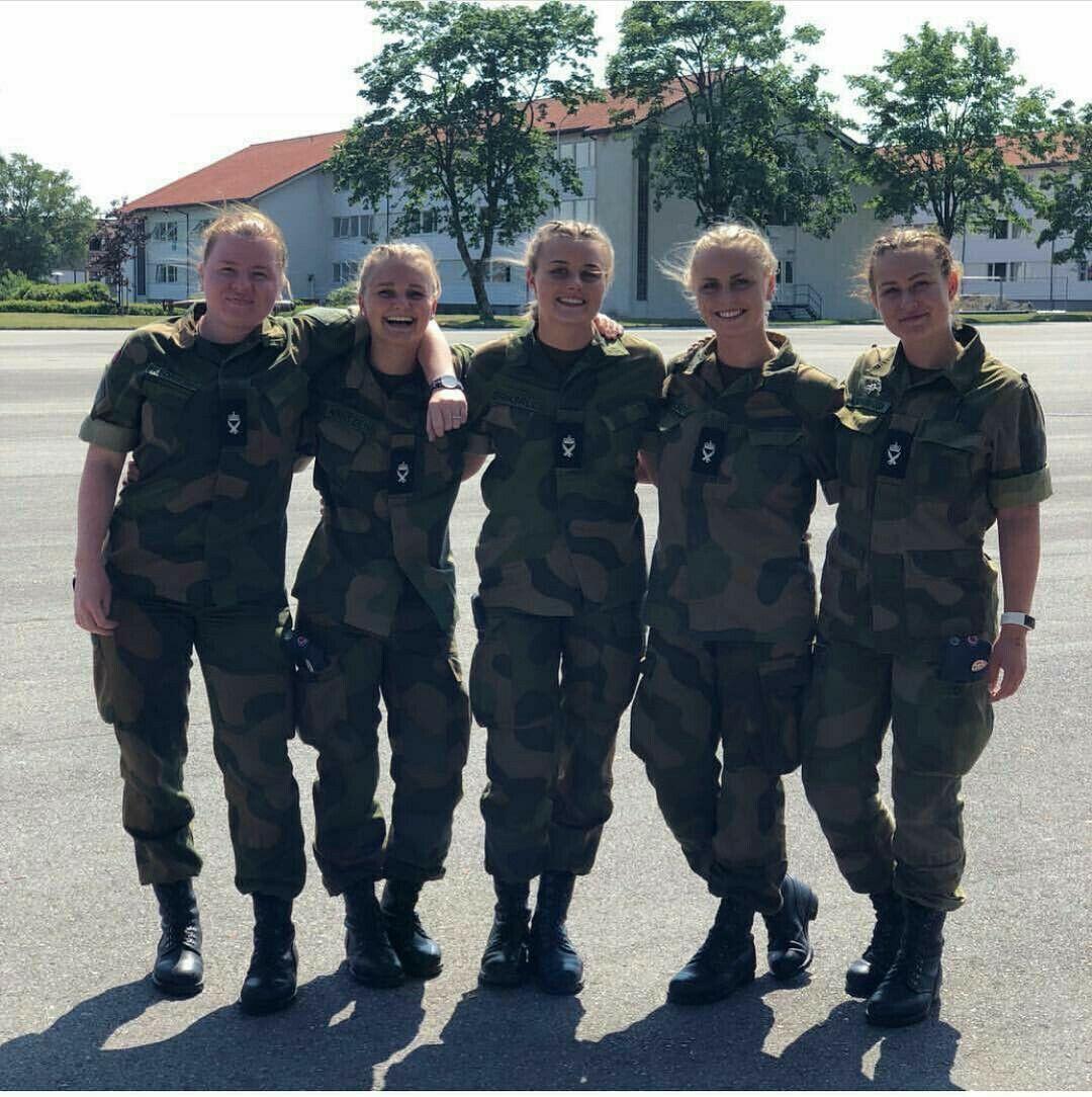 Norwegian female soldiers female soldier winter