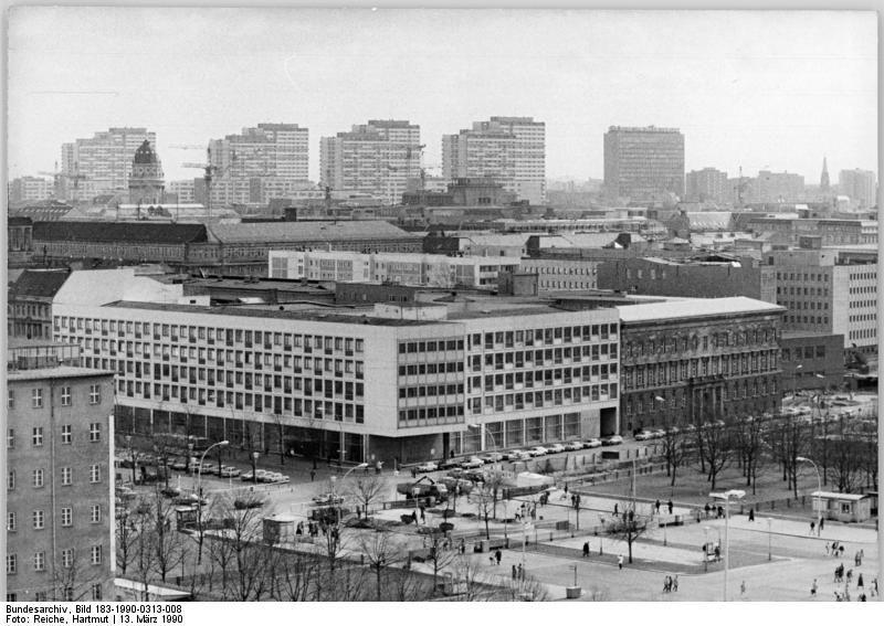 Berlin Ministerium fur Volksbildung Marz 1990