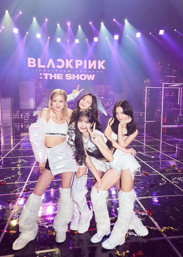 BLACKPINK Succeeds in Putting on First Live-Stream Concert   Glitter Magazine
