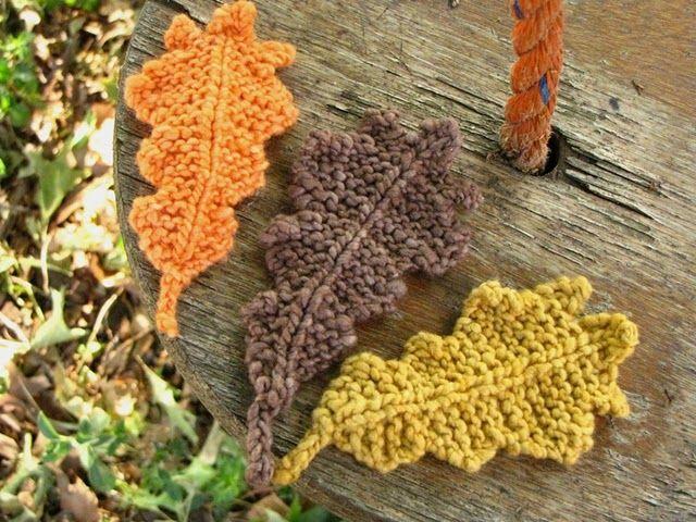 knit oak leaves