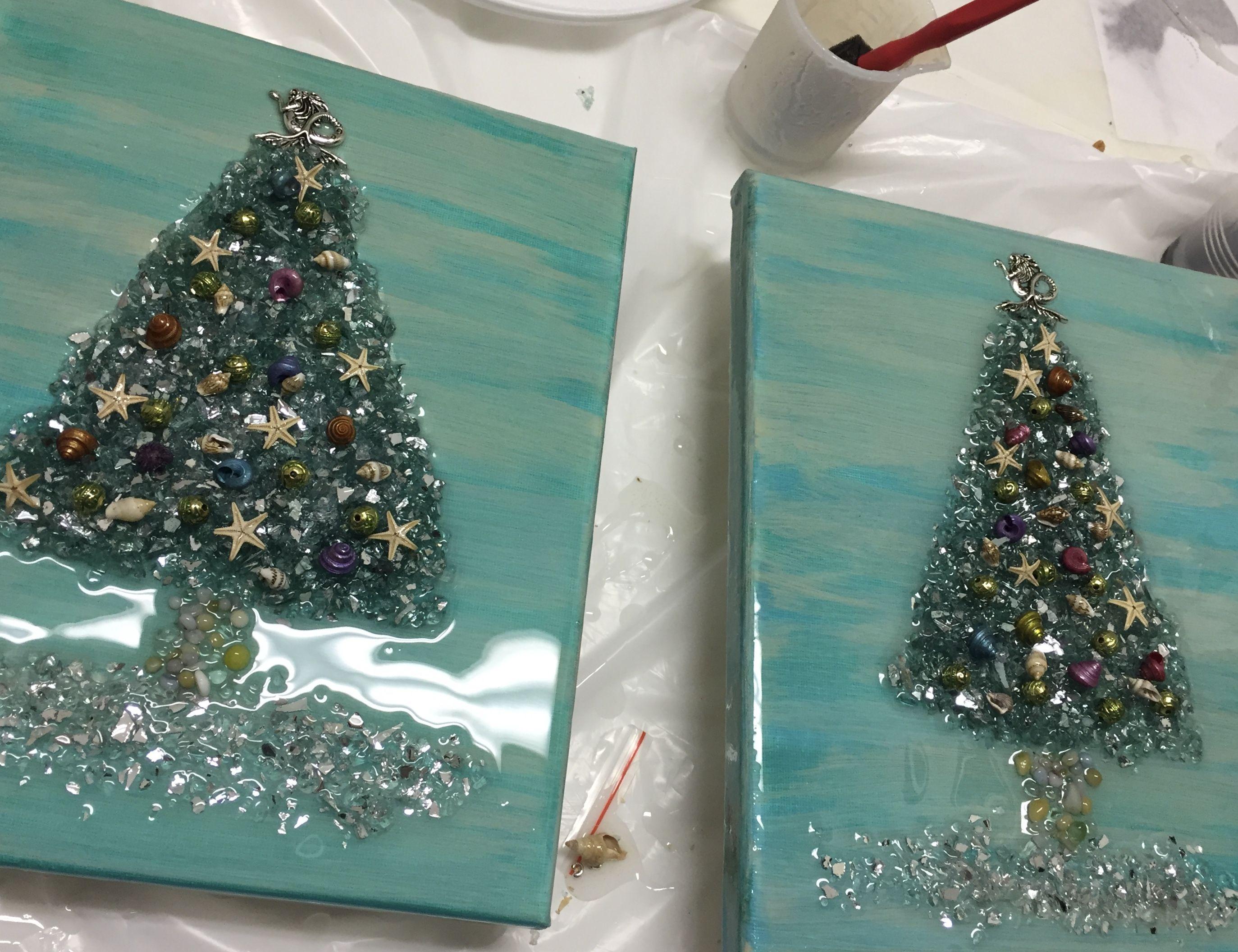 Beach Themed Shattered Glass And Resin Christmas Trees Broken Glass Art Glass Art Pictures Glass Art