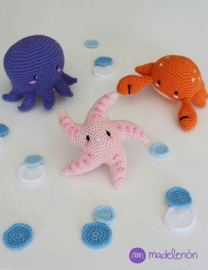 Crochet Shark Swimming - YouTube | 931x717