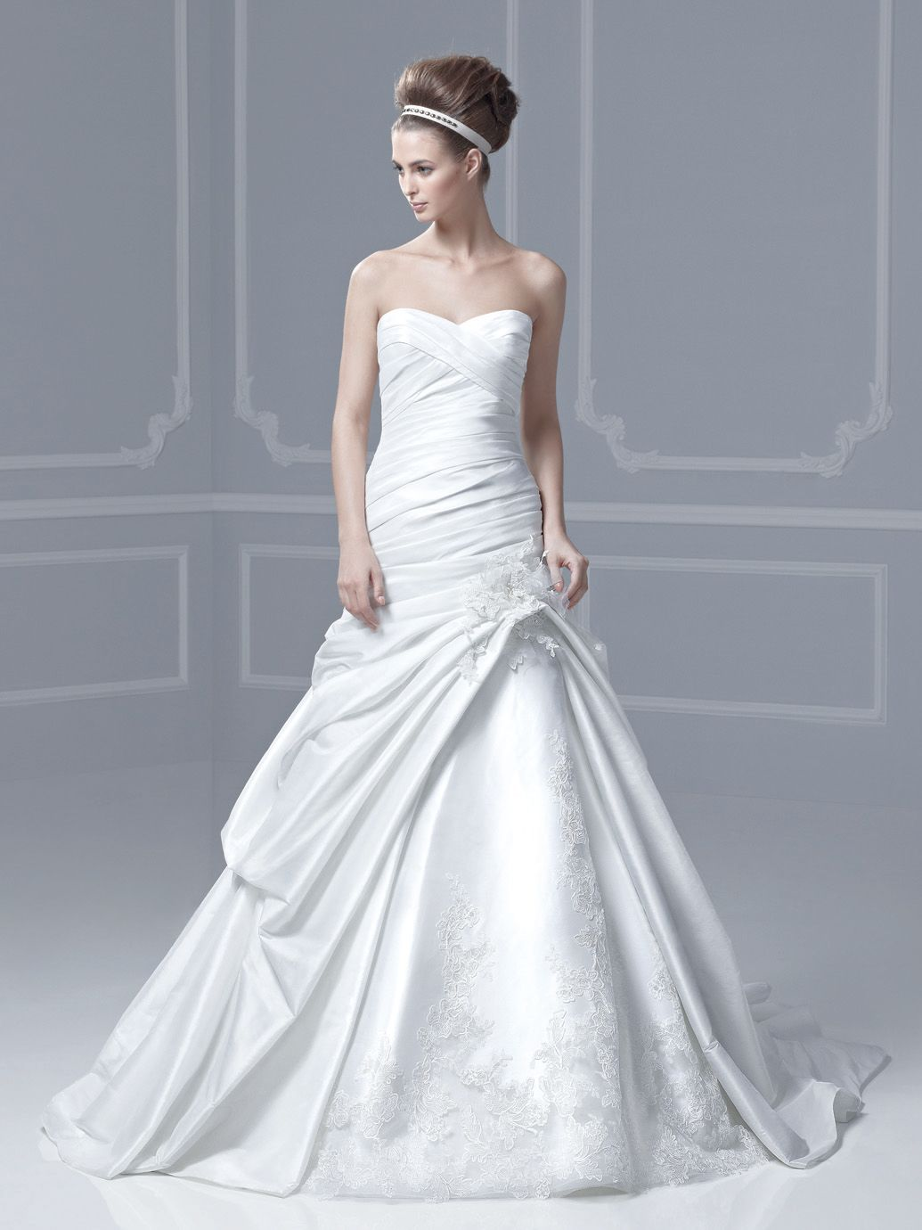 FINLAND / Blue Collection / Enzoani / Available Colours : Magnolia ...