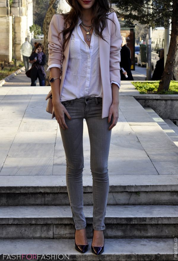0527cc3def2 Adorable street style. Day outfit