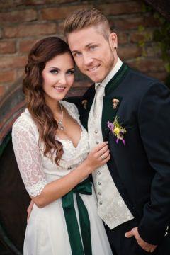 Hochzeitstrachten Trachtenmode Hiebaum Dirndl Hochzeit Trachten Brautkleid Hochzeitstracht