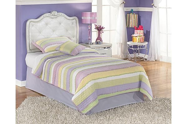 Ashley Furniture a very pretty bed Places to Visit Pinterest