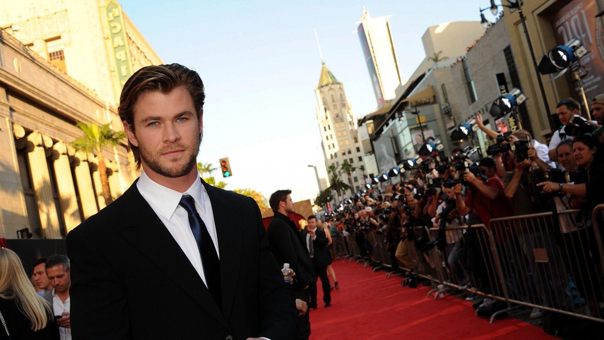 Chris Hemsworth HD Desktop Wallpapers คริส เฮ็มส์เวิร์ธ