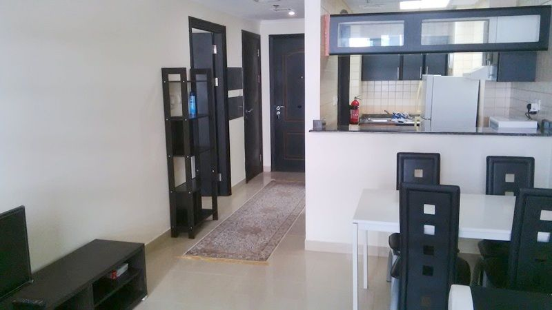 Fully furnished 1BR on High Floor, European Style, located in Manchester, Dubai Marina AED 92,000 Per Year Vacant on May 2016 Marina View European Style 1 bedroom 2 bathroom Total Build up area 835 Sq.ft. 2 Balcony 1 parking space For Inquiries, Call Moez on +971 552545395 or email to moez@casanostra.ae To List your property with Us, please call on 044385248 or email at info@casanostra.ae