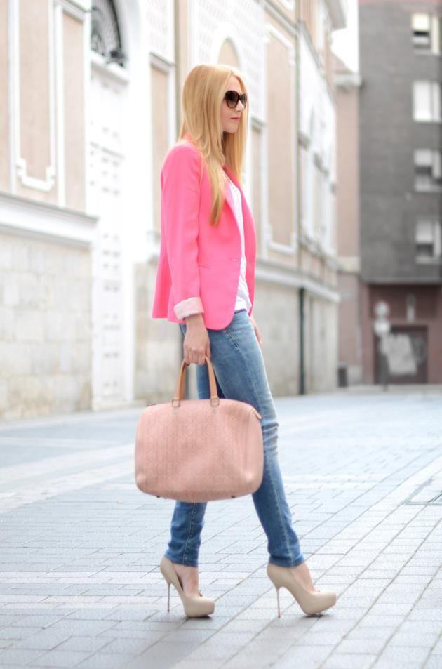Pink blazer jacket sunglasses blue jeans handbag coral heels beige Women style a…