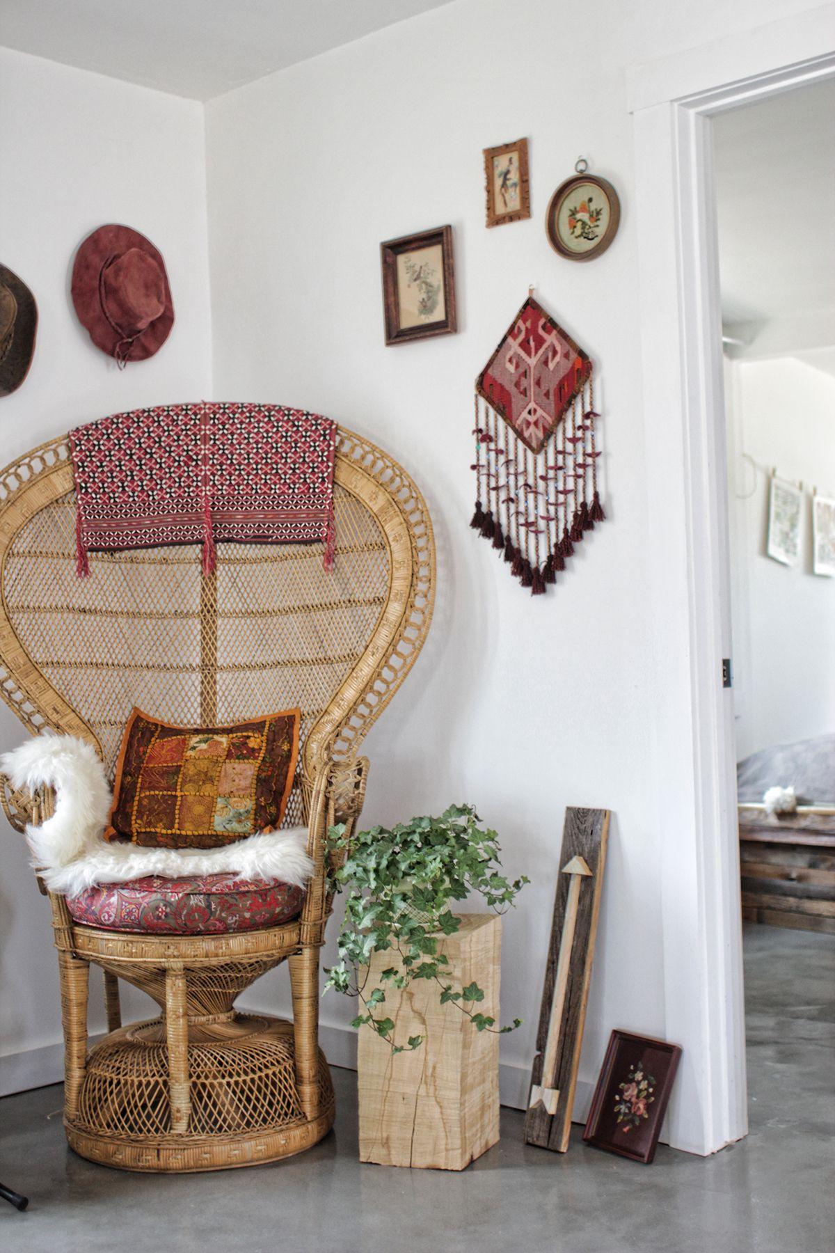Peacock Chair | @invokethespirit