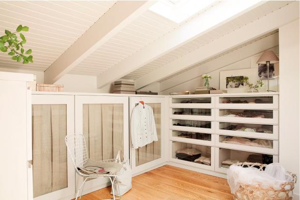 closet ideas for loft armario abuhardillado vestidores pinterest attic ideas room