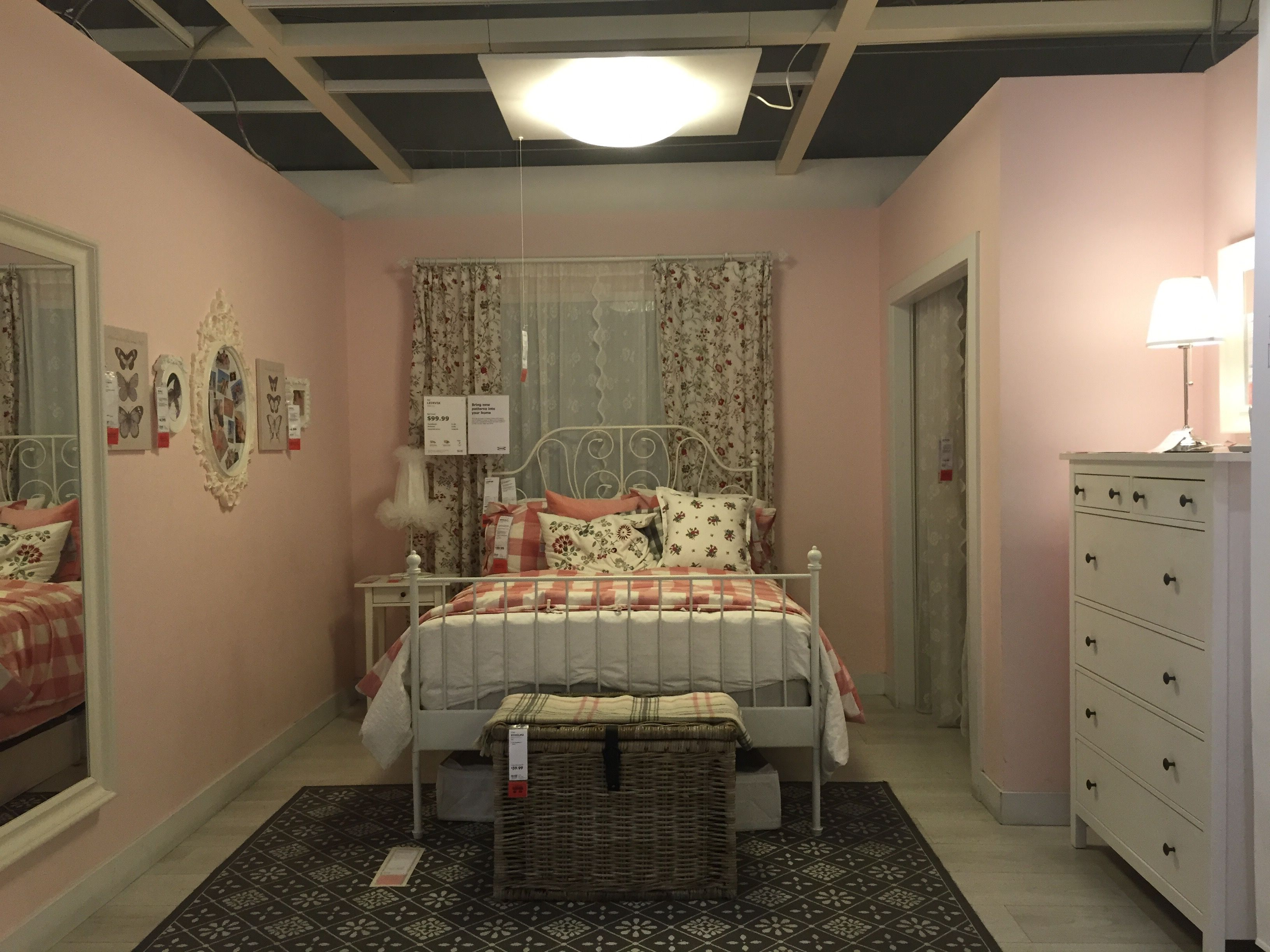 Ikea showroom Leirvik bed Hemnes nightstand and dresser Pink walls ...