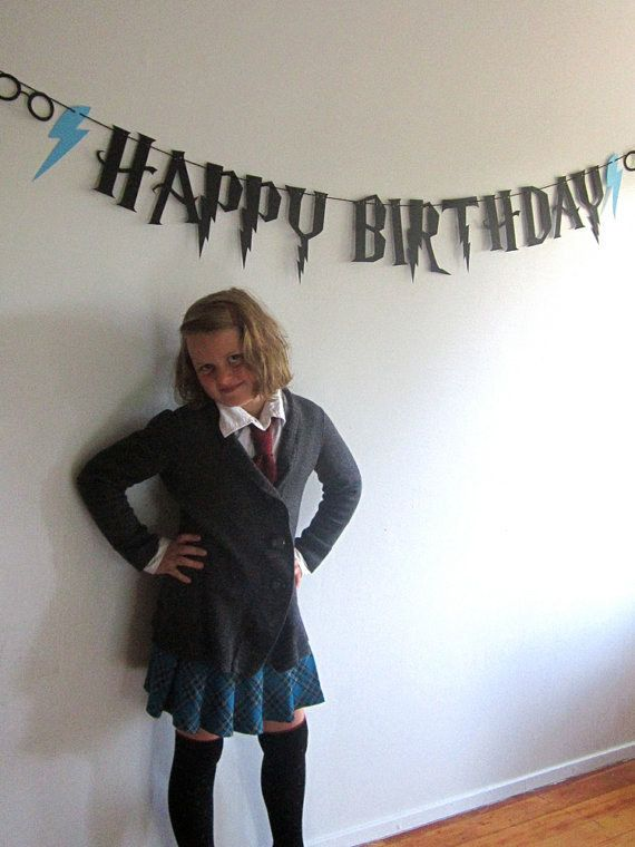 hang a happy birthday banner that 39 s perfectly to theme hogwarts is my home pinterest. Black Bedroom Furniture Sets. Home Design Ideas