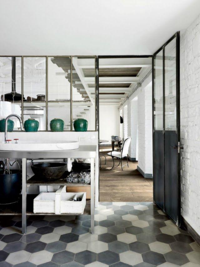 Pingl par emil eve architects sur tiles pinterest for Deco verriere interieure