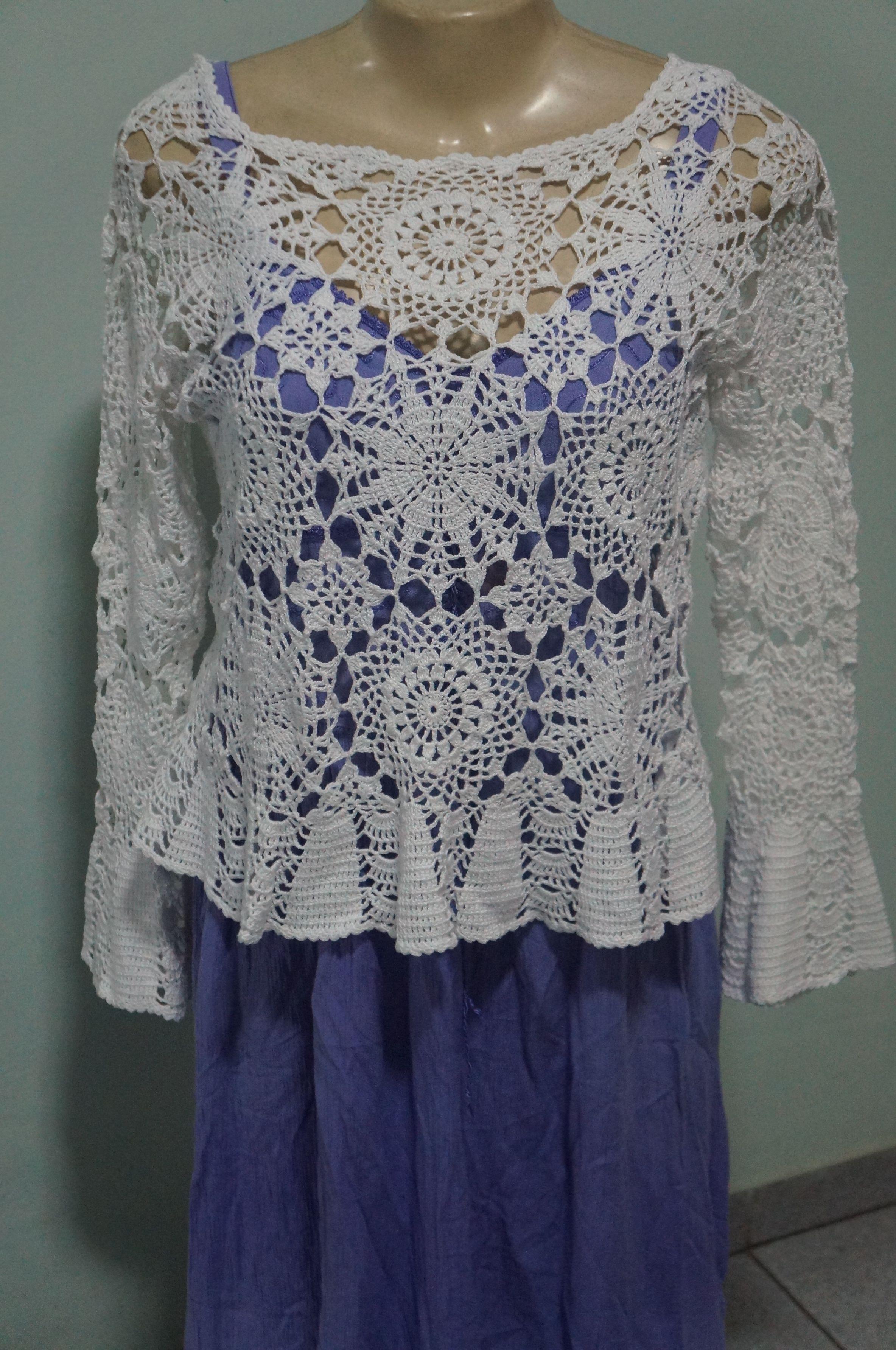 Blusa de crochª artesanal feita a linha Cléa 1000 Modelo da Pingouin