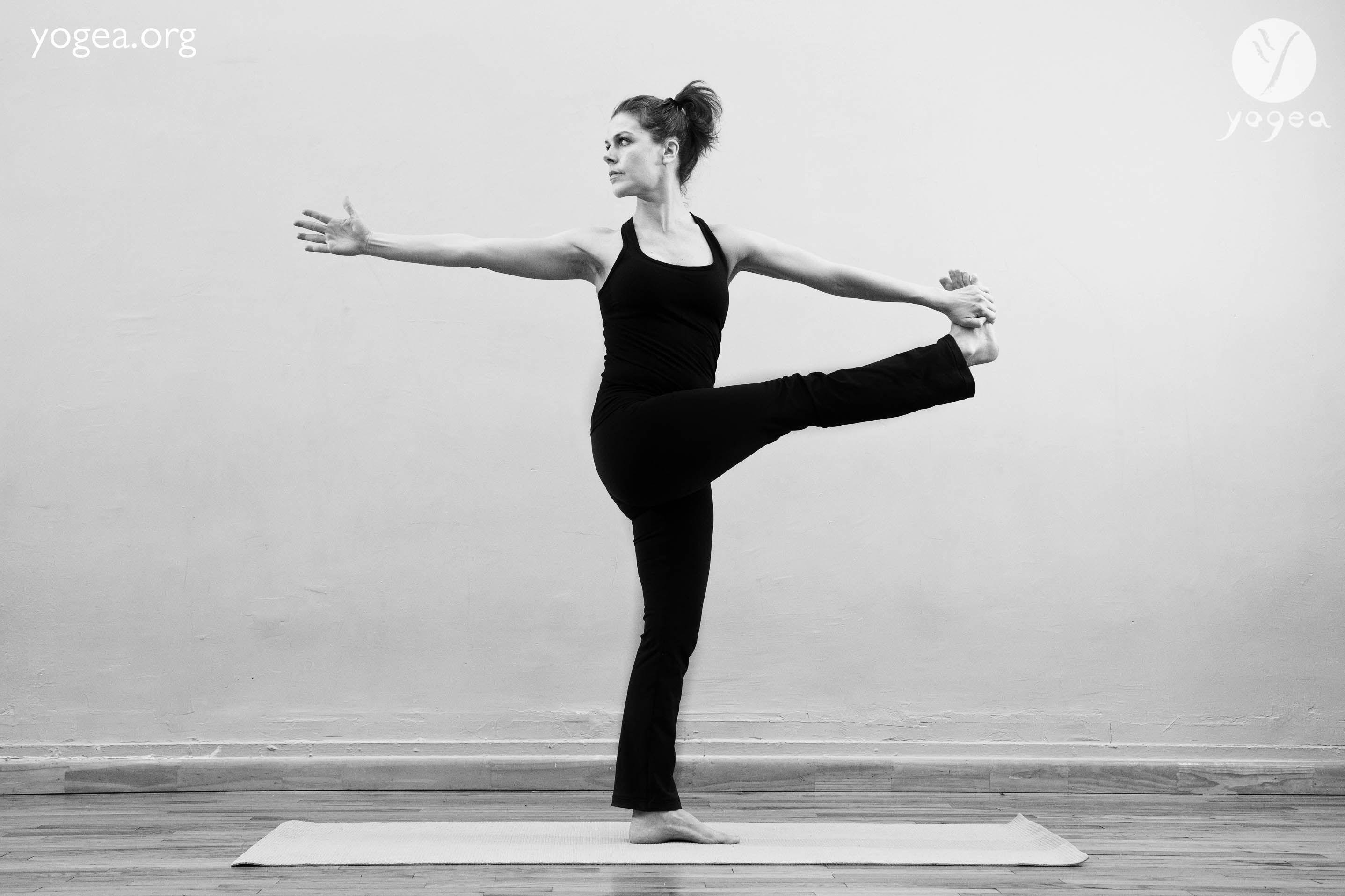 Urdhva Jathara Parivartanasana – Standing bound spinal twist