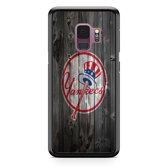 The New York Yankees Mlb Logo Dark Wood Wallpaper Samsung Galaxy S9 Case Babycase Dark Wood Wallpaper Wood Wallpaper Samsung Wallpaper