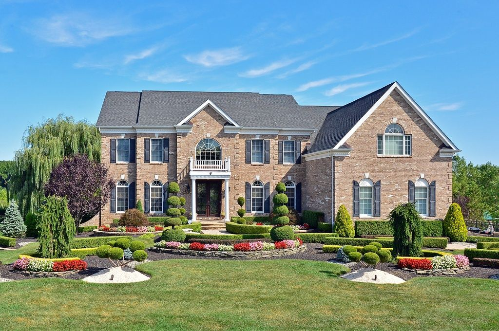 6 Silverleaf Way Manalapan Nj 07726 Zillow House Styles Mansions Home Family