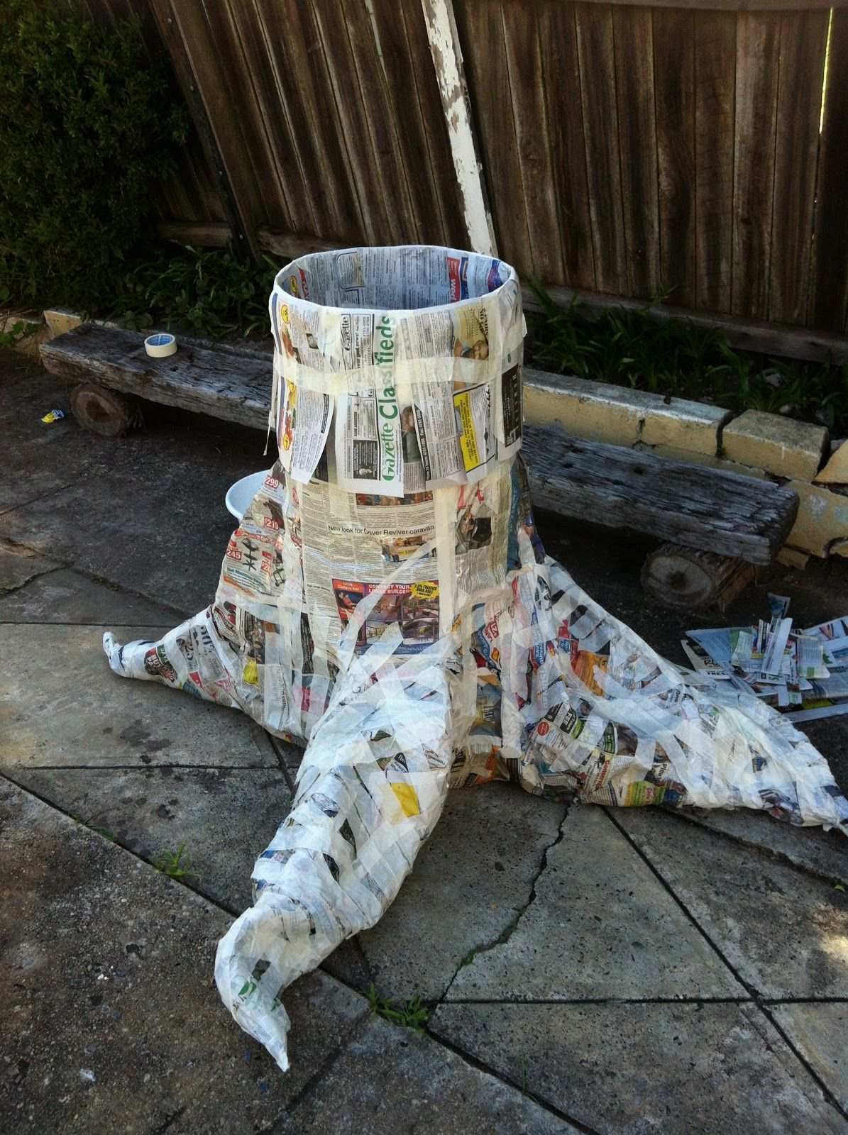 make tree trunk with chicken wire | How To Make A Paper Mache Tree ...