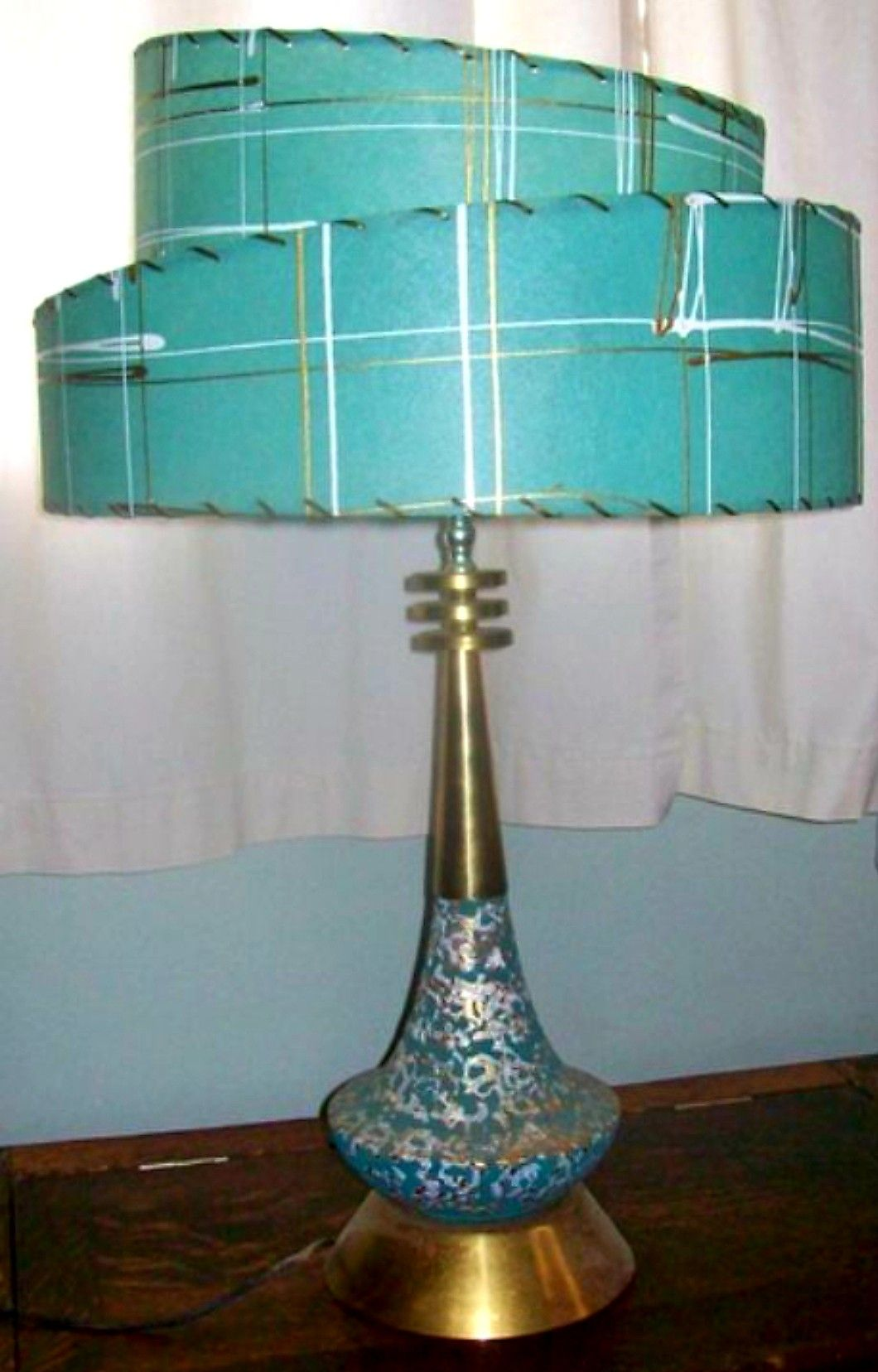 Pin By Connie Mccarty On Misc In 2020 Mid Century Modern Table Lamps Mid Century Modern Lamps Mid Century Modern Table
