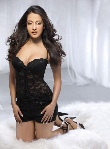 Raima Sen Hot And Sexy Photoshoot For Maxim India November -7371
