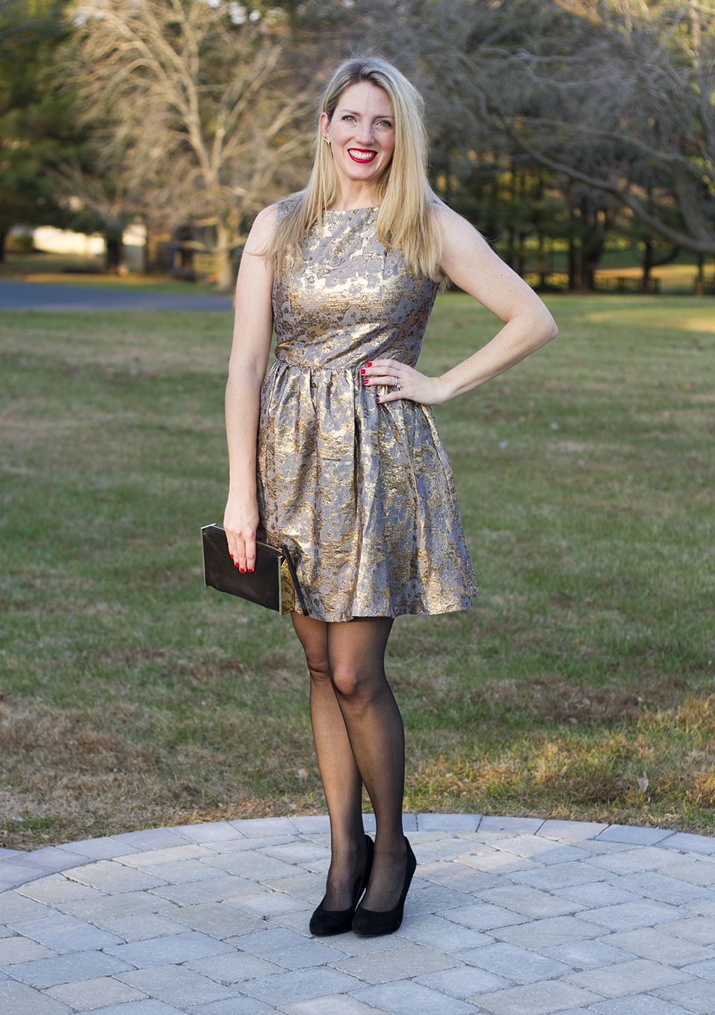 Metallic brocade make for a perfect holiday party outfit or New Year's Eve look!