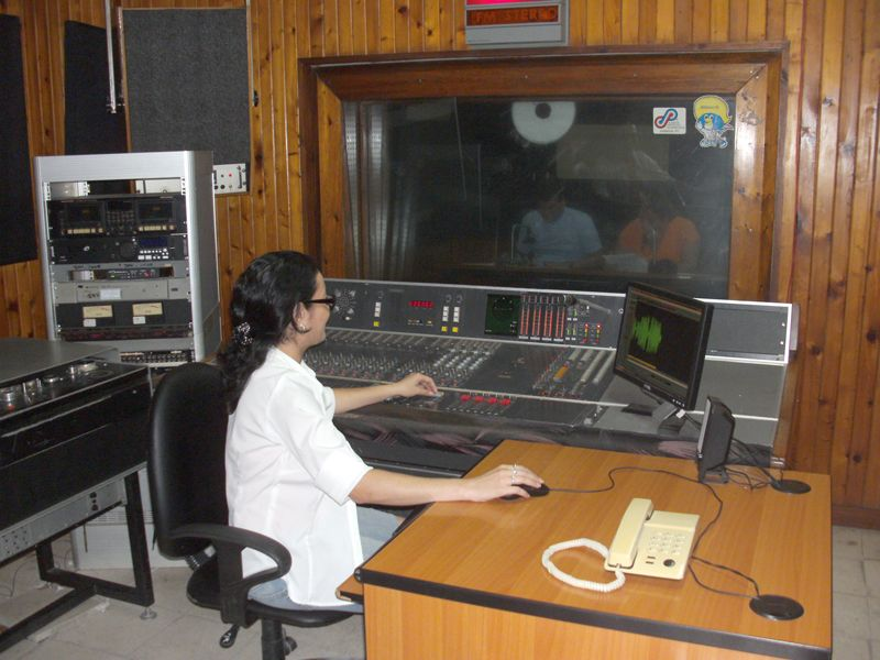 Estudio FM de la emisora Radio Sancti Spíritus | Emisoras radio, Radio, Emisoras