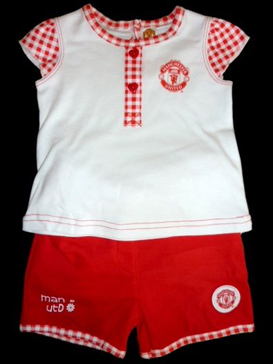 new arrival b664f f755b Manchester United Baby Girl T-Shirt & Shorts Set - One for ...