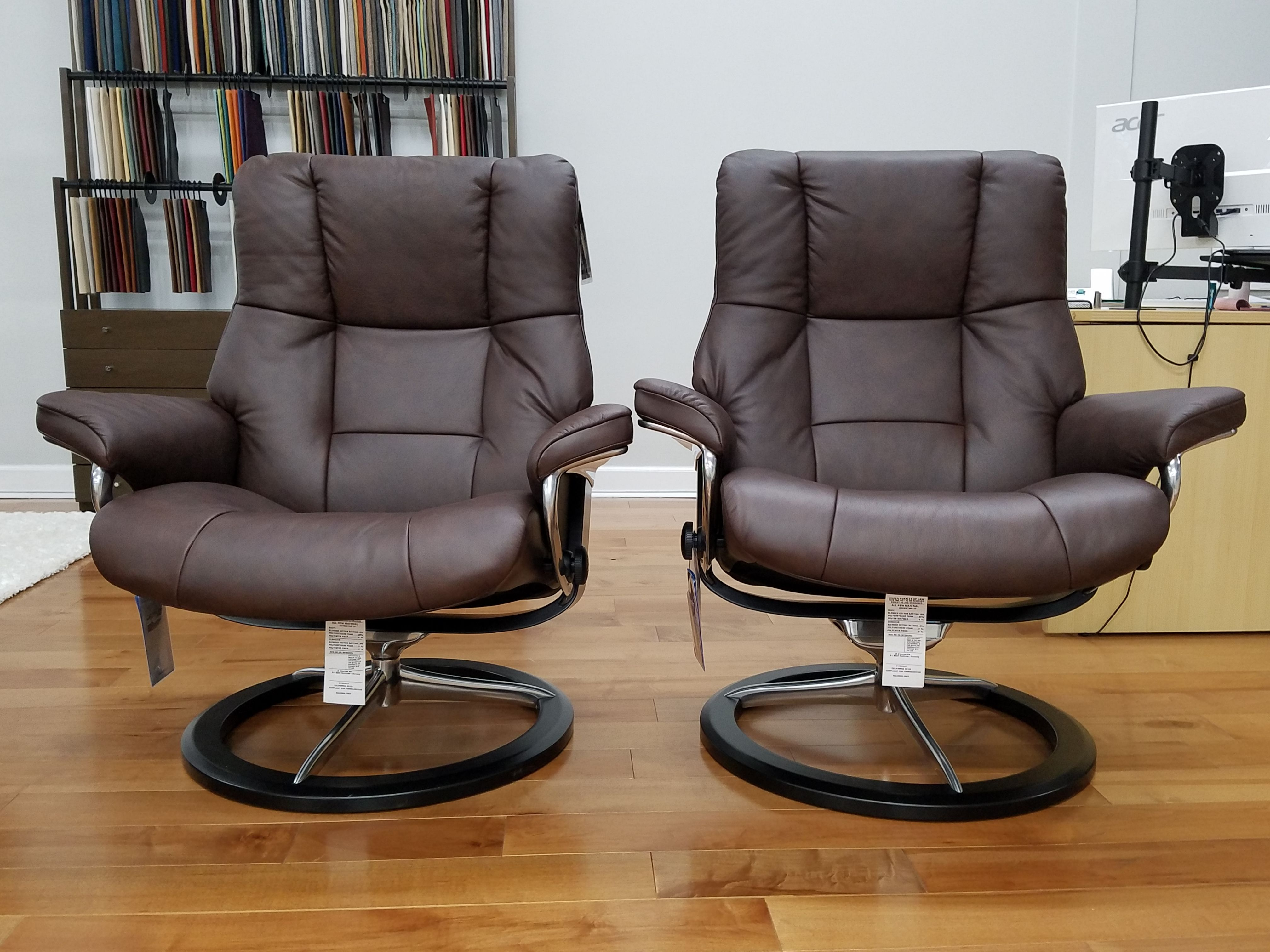 a0826d1bcd21d Stressless Mayfair Signature Base Leather  Chocolate Base  Black Stain Both  are Large Size. One on the right has an elevation kit