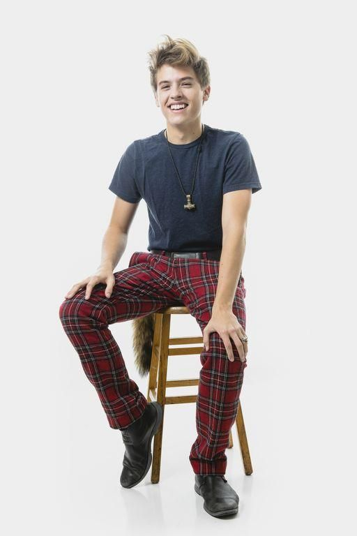 Dylan Sprouse UGH! SO ADORABLE!!! My kind of man i mean look at those PANTS!!!! DAMN!!!!