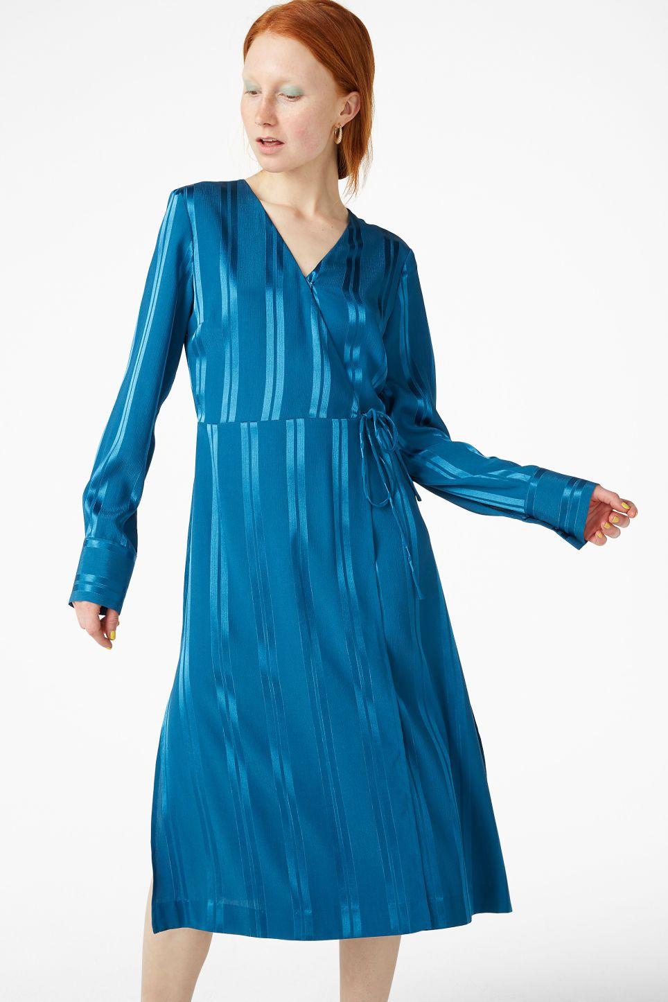 Long wrap dress electric blue dresses monki se att bära på