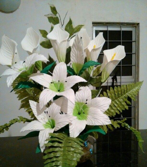 Lirio E Copo De Leite E V A Arranjos De Flores Flores Em Eva