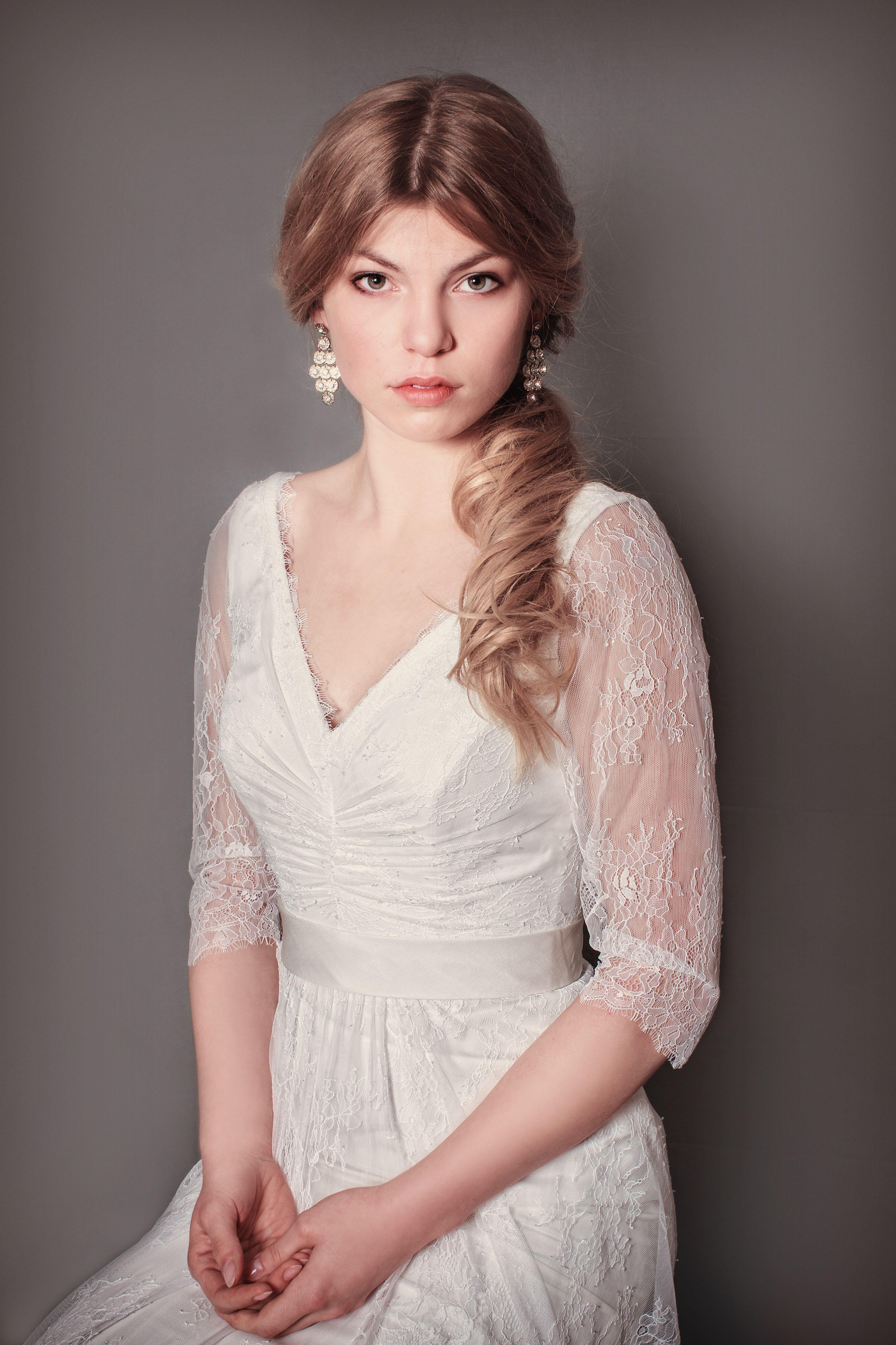 Vintage Bridal Gown of Felicita Design, Lace Brautkleid mit Ärmeln ...