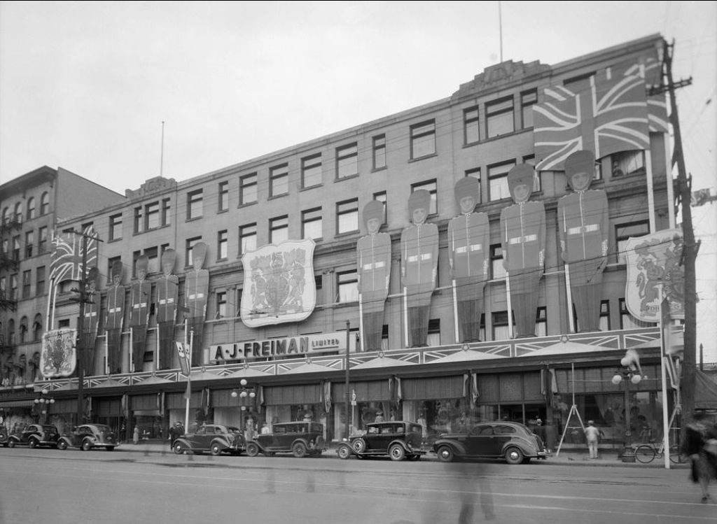 the old freiman 39 s store on rideau street old photos of ottawa pinterest. Black Bedroom Furniture Sets. Home Design Ideas