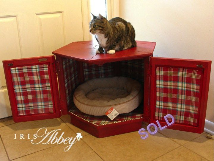 Awesome Vintage End Table Converted To Luxurious Pet Bed