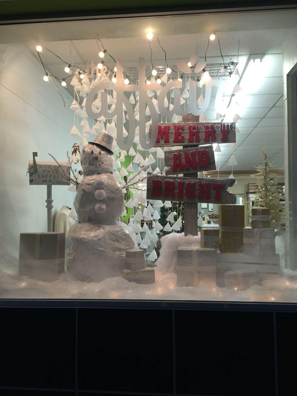 Christmas Window Display Retail merchandising | Holiday ...