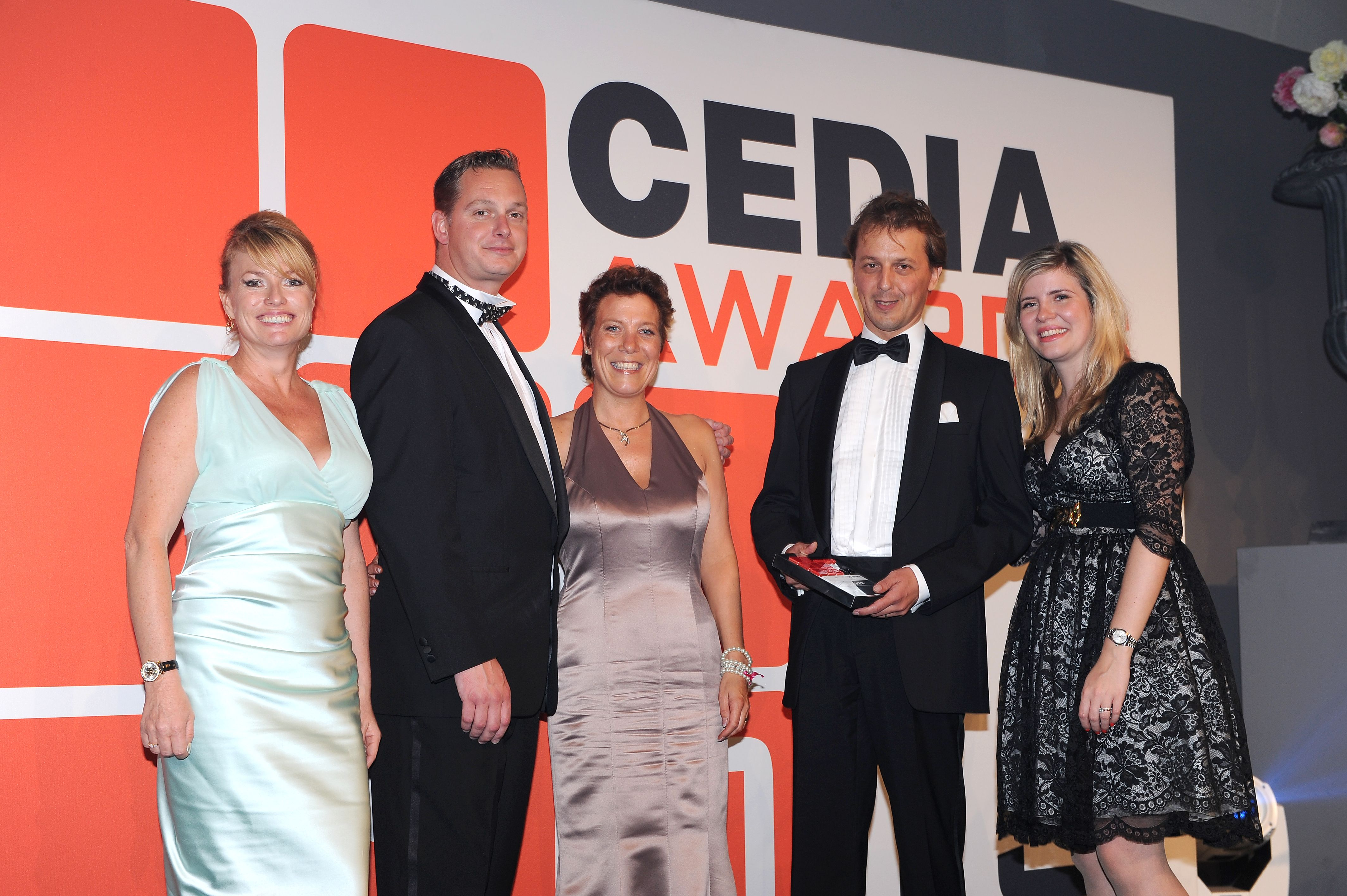 Cedia awards 2013 de opera domotica win best integrated home over