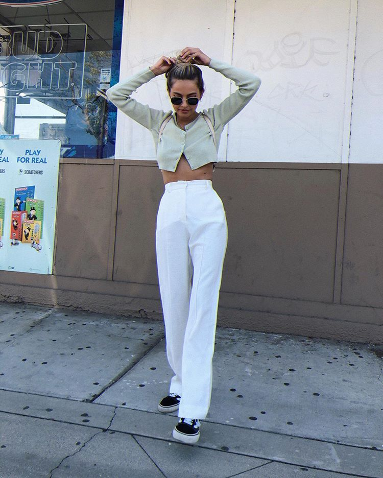 "Photo of brit harvey 🍒🍒🦋🦋🌈🌈🍓🍓👽👽☁️☁️🍭🍭💚💚 on Instagram: ""Fav white pants 🌫🌫🌫 @vergegirl"""