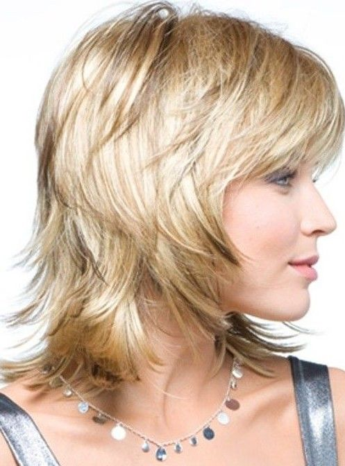31 Layered Hairstyles Several Reasons To Have This Fun Trendy Style Hairstyles Weekly Medium Layered Hair Short Shag Hairstyles Bangs With Medium Hair
