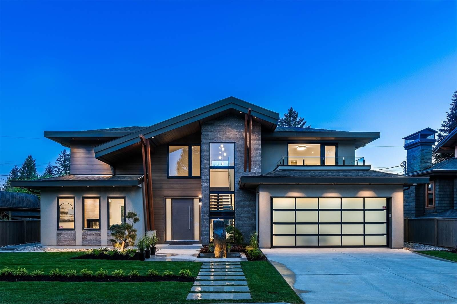Extraordinary Property Of The Day Inspiring Modern Estate In British Columbia Canada Sothebysrltycan Epotd Http Modern House Design House Design House Plans