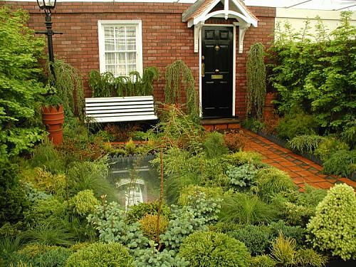 55 Small Urban Garden Design Ideas And Pictures (With ... on Small Urban Patio Ideas id=88278