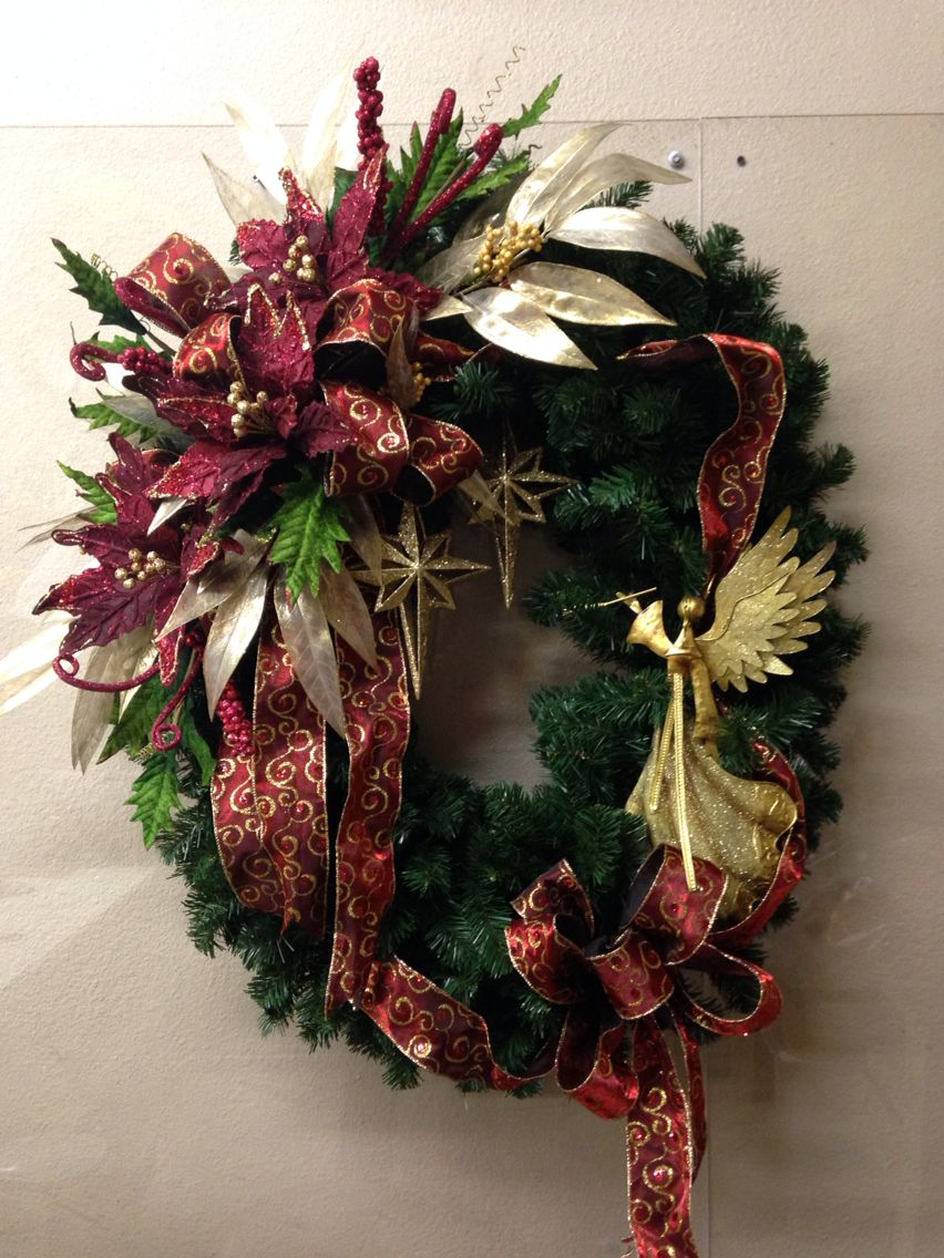 Christmas And Wreaths Black Burgundy Gold