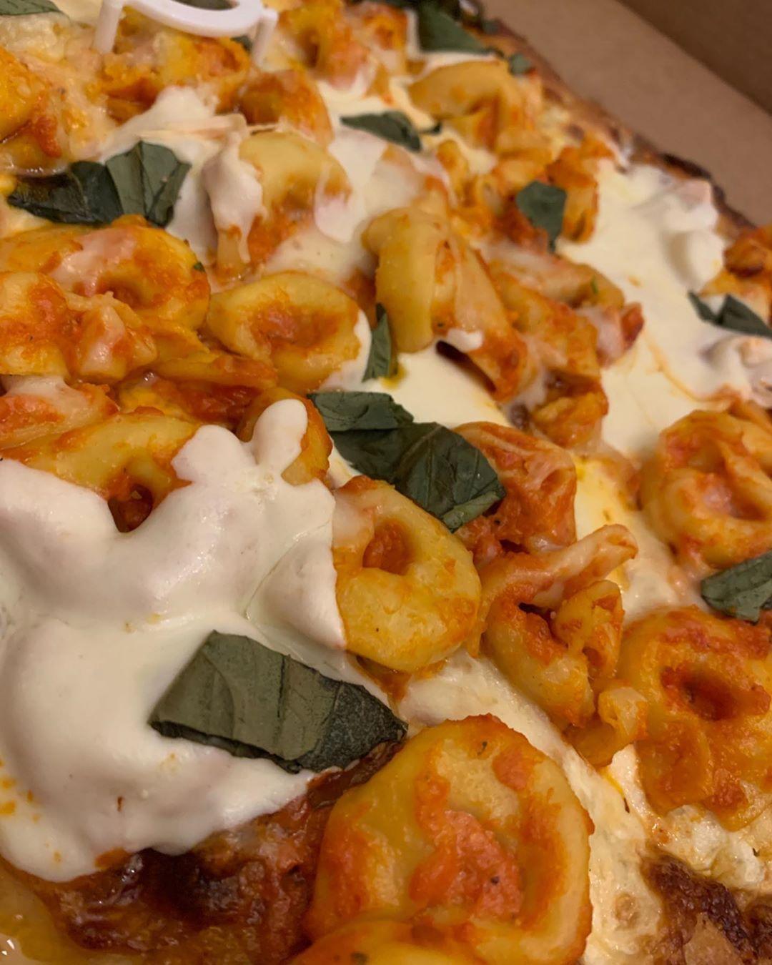 Tortellini a la vodka pizza.... say no more. Thank you